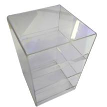 Caja de acrilico con estantes divisores