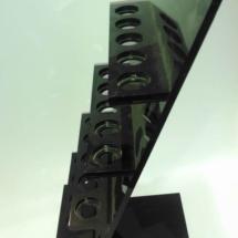 Exhibidor de acrilico negro a medida
