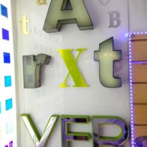 Letras cajon en acrilico color