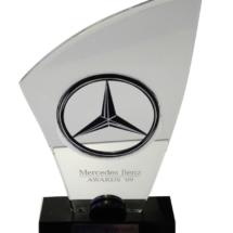 Premio de acrilico Mercedez con calado y bicapa cortada a Laser