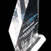 Premio de acrilico en 20 mm de epesor bicelada en sus lados