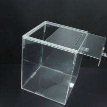 Urna de acrilico 20 x 20 x 20 cm